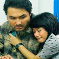 Review: Ayah, Mengapa Aku Berbeda? (2011)