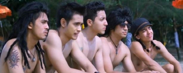 Review: Slank Nggak Ada Matinya (2013)